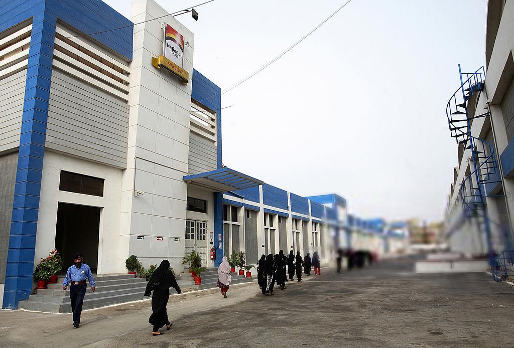 Banu Mukhtar awarded construction of National Foods' plant